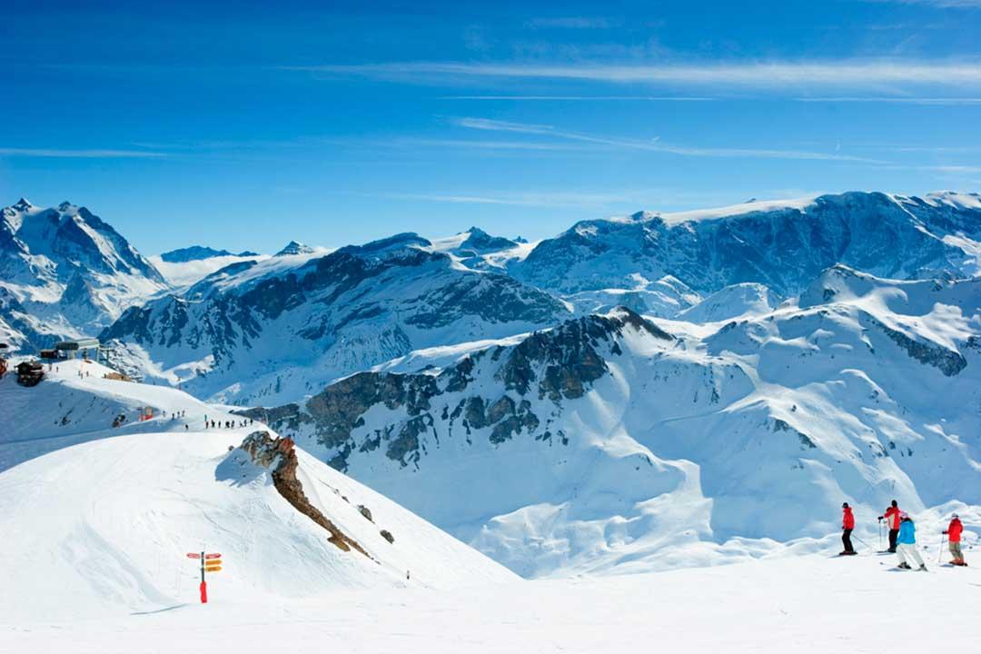 attrezzatura per sciare