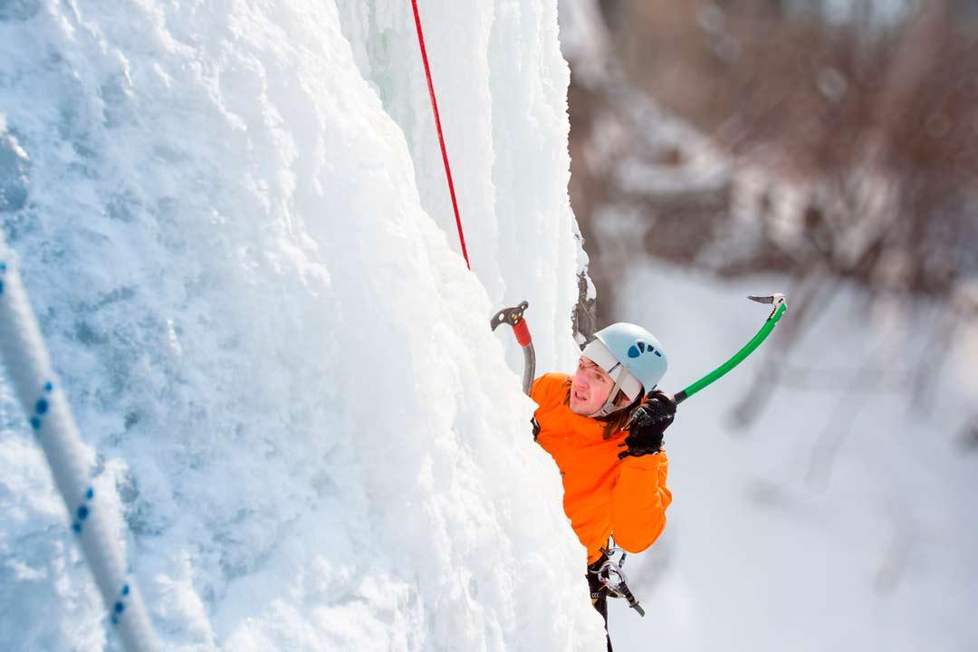 arrampicata-su-cascate-di-ghiaccio